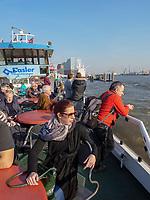 Hafenfähre in Hamburg, Deutschland, Europa<br /> Ferry in port of  Hamburg, Germany,  Europe