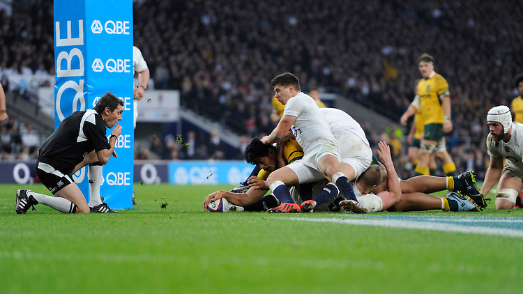 Will Skelton of Australia forces his way over to score during the QBE International match between England and Australia at Twickenham Stadium on Saturday 29th November 2014 (Photo by Rob Munro)