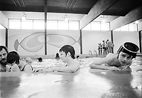 PIscine interieure ,<br />  6 Mars 1973<br /> <br /> PHOTO :   Agence Quebec Presse - Alain Renaud
