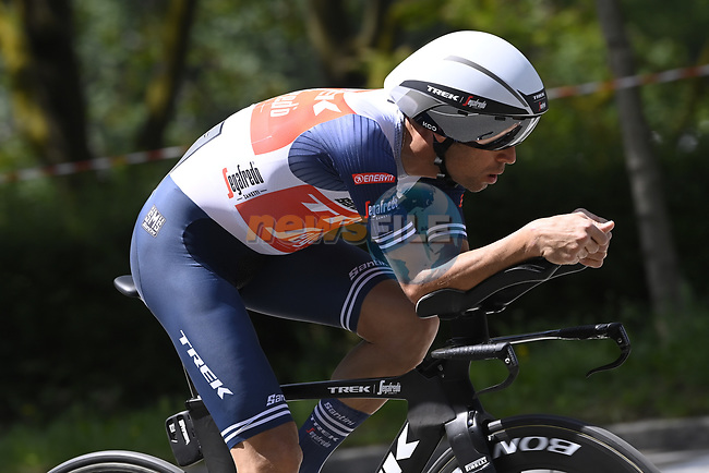 Vincenzo Nibali (ITA) Trek-Segafredo recces the route during Stage 1 of the 2021 Giro d'Italia, and individual time trial running 8.6km around Turin, Italy. 8th May 2021.  <br /> Picture: LaPresse/Fabio Ferrari | Cyclefile<br /> <br /> All photos usage must carry mandatory copyright credit (© Cyclefile | LaPresse/Fabio Ferrari)