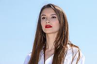 Leyla Lydia Tugutlu pose lors du photocall de HEART OF THE CITY pendant le MIPTV a Cannes, le lundi 3 avril 2017.