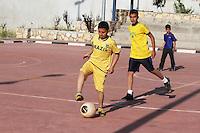 PALESTINA, RAMALLAH: Equipe de futebol dos filhos da comunidade brasileira na cidade de Ramallah, na Palestina. <br /> Na Palestina, há mais de quatro mil cidadãos brasileiro, e as relações do Brasil-Palestina em melhoria contínua. <br /> Relações Brasil-Palestina se refere à relação bilateral atuais e históricas entre Brasil e Palestina. O Brasil reconheceu oficialmente o Estado Palestino em 5 de dezembro de 2010. <br /> (FOTO: ABDALKARIM MUSEITEF / BRAZIL PHOTO PRESS).