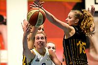 13-03-2021: Basketbal: Keijser Capital Martini Sparks v Grasshoppers: Haren Martini Sparks speelster Kim Jaasma in duel met Grasshoppers speelster Lotte van Kruistrum