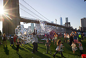 Brooklyn, New York<br /> September 27, 2014<br /> <br /> A perfect evening in Brooklyn Bridge Park, Dumbo.