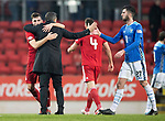 St Johnstone v AberdeenÖ23.02.19Ö  McDiarmid Park    SPFL<br /> Graeme Shinnie gets a hug from manager Derek McInnes at full time<br /> Picture by Graeme Hart. <br /> Copyright Perthshire Picture Agency<br /> Tel: 01738 623350  Mobile: 07990 594431