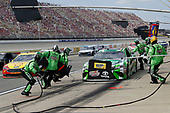 #18: Kyle Busch, Joe Gibbs Racing, Toyota Camry Interstate Batteries, pit stop