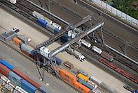 DUSS-Terminal Hamburg-Billwerder: EUROPA, DEUTSCHLAND, HAMBURG, (EUROPE, GERMANY), 26.08.2019: Deutsche Umschlaggesellschaft Schiene–Straße (DUSS) mbH, Terminal Hamburg-Billwerder ist eine wichtige Schnittstelle für den Umschlag von Ladeeinheiten zwischen Strasse und Schiene sowie im nationalen und internationalen Umsteigeverkehr zwischen Gueterzuegen.