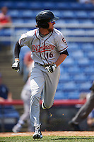 Richmond Flying Squirrels second baseman Brandon Bednar (16) runs to first during a game against the Binghamton Mets on June 26, 2016 at NYSEG Stadium in Binghamton, New York.  Binghamton defeated Richmond 7-2.  (Mike Janes/Four Seam Images)