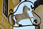 Oesterreich, Kaernten, Spittal an der Drau: Zunftschild, Weisses Roessl | Austria, Carinthia, Lake Millstatt, Spittal: guild sign, White Horse Inn