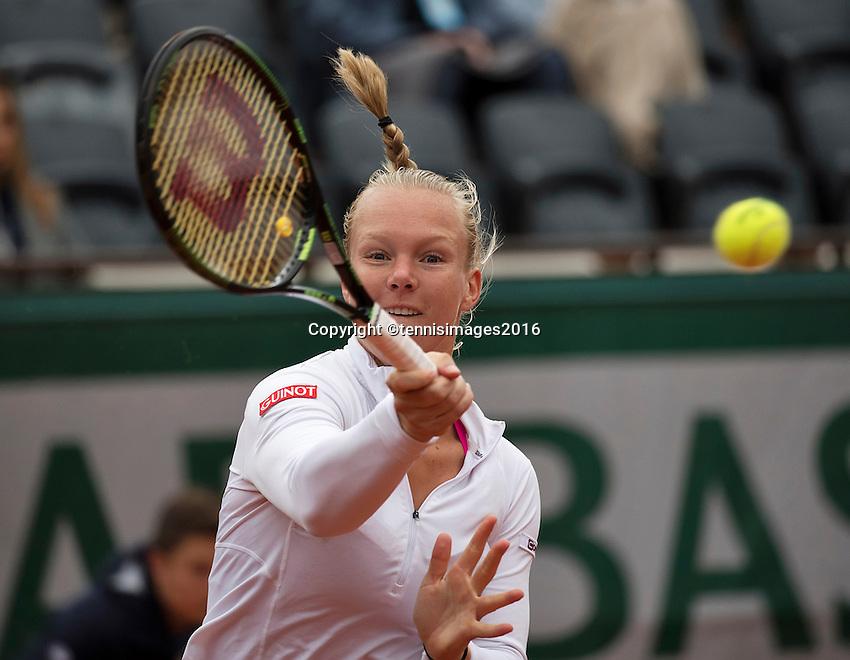 Paris, France, 03 June, 2016, Tennis, Roland Garros, Semifinal women, Kiki Bertens (NED) in her match against Serena Williams (USA)<br /> Photo: Henk Koster/tennisimages.com