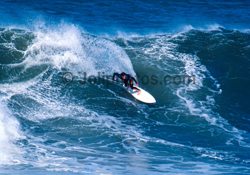 Tom Curren (USA) surfing Mundaka river-mouth during an epic swell in November 1989. Mundaka, Basque Country, Spain. Photo: joliphotos.com
