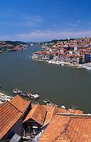 Portugal, Blick über Douro auf Porto