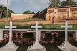 CAR, Bangui: The Saint-Paul cimetery  where priests and people from the parish have been buried. 20th April 2016<br /> <br /> RCA, Bangui : Le cimetière Saint- Paul où les prêtres et les gens de la paroisse ont été enterrés . 20e Avril 2016