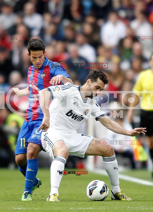 Real Madrid's Arbeloa and Levante's Ruben during La Liga BBVA match. April 6, 2013.(ALTERPHOTOS/Alconada)
