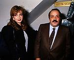 MAURIZIO COSTANZO E SIMONA IZZO<br /> TEATRO BRANCACCIO ROMA 1985
