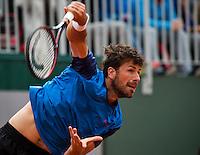Paris, France, 23 june, 2016, Tennis, Roland Garros, Robin Haase (NED) serving<br /> Photo: Henk Koster/tennisimages.com