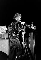 Sujet : Spectacle de Johnny Hallyday a Quebec<br /> <br /> Date : 16 mars 1969<br /> <br /> Photographe : Photo Moderne<br /> - Agence Quebec Presse