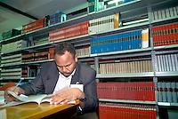 - library of the International Institute of Physics in Trieste....- biblioteca dell'Istituto Internazionale di Fisica a Trieste
