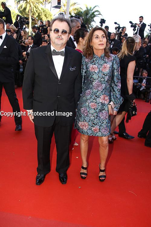 Pierre Herme et sa femme Valerie Franceschi sur le tapis rouge pour la projection du film en competition OKJA lors du soixante-dixiËme (70Ëme) Festival du Film ‡ Cannes, Palais des Festivals et des Congres, Cannes, Sud de la France, vendredi 19 mai 2017.
