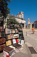 Cuba, Bücherstände an der Plaza de Armas in Habana, Unesco-Weltkulturerbe