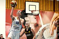 13-03-2021: Basketbal: Keijser Capital Martini Sparks v Grasshoppers: Haren Martini Sparks speelster Danielle Pruys op weg naar score