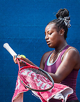 Amstelveen, Netherlands, 7 Juli, 2021, National Tennis Center, NTC, Amstelveen Womans Open, Alycia Parks gets a ball from a ballboy(USA)<br /> Photo: Henk Koster/tennisimages.com