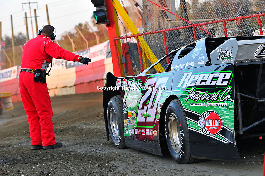 Feb 11, 2011; 6:04:13 PM; Gibsonton, FL., USA; The Lucas Oil Dirt Late Model Racing Series running The 35th annual Dart WinterNationals at East Bay Raceway Park.  Mandatory Credit: (thesportswire.net)