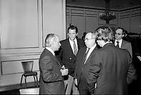 Rene Levesque a la tribune de la Chambre de commerce du district de Montreal,vers 1980, a l'hotel Windsor<br /> <br /> PHOTO : Agence Quebec Presse - John Raudsepp
