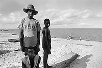 - Mozambique 1993, fisherrmen on the beach of Beira ( region of Sofala )<br />