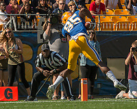 Pitt wide receiver Jester Weah scores on a 33-yard touchdown catch. The North Carolina Wolfpack defeated the Pitt Panthers 35-17 at Heinz Field, Pittsburgh, PA on October 14, 2017.