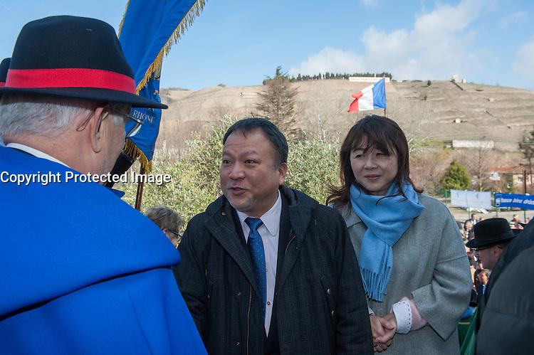 RYUICHIRO KOBAYASHI ET SON EPOUSE - INAUGURATION DU SALON DES VINS DE TAIN L'HERMITAGE