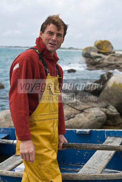 Europe/France/Bretagne/29/Finistère/ Trévignon:  Philippe Briant  pêcheur, spécialiste de la pêche au  bar  à la ligne