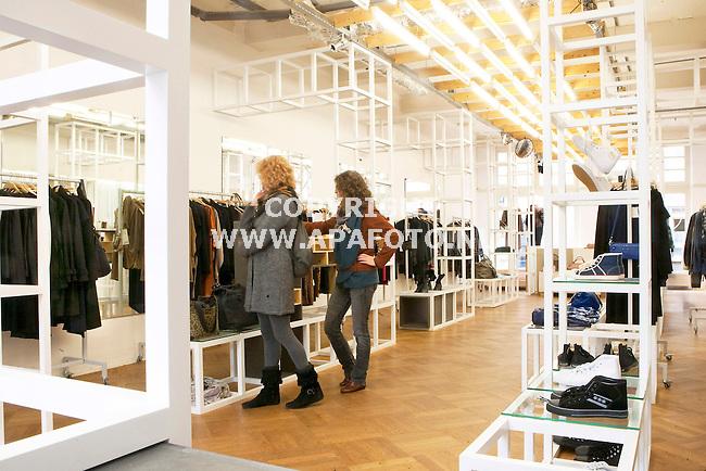 Arnhem 210910 Modewinkel Coming Soon<br /> Interieur<br /> Foto Frans Ypma APA-foto
