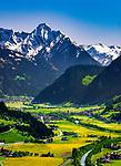 Oesterreich, Tirol, Fruehling im Zillertal, Blick ins Zillertal mit den Ortschaften Ramsau und Mayrhofen am Ende des Tals und den noch schneebedeckten Gipfeln der Zillertaler Alpen | Austria, Tyrol, springtime at Ziller-Valley, resort Zell am Ziller: view into Ziller Valley with still snow covered summits of Ziller-Valley Alps