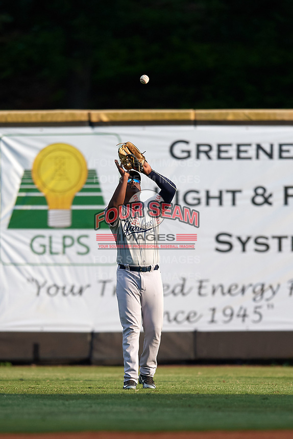 Pulaski Yankees right fielder Juan De Leon (43) settles under a fly ball during a game against the Greeneville Reds on July 27, 2018 at Pioneer Park in Tusculum, Tennessee.  Greeneville defeated Pulaski 3-2.  (Mike Janes/Four Seam Images)