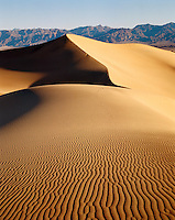 USA California, Death Valley National Monument.  View of Mesquite Flat Dune