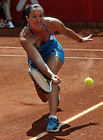 BOGOTÁ - COLOMBIA - 23-02-2013: Jelena Jonkovic de Serbia devuelve la bola a Karin Knapp de Italia, durante partido por la Copa de Tenis WTA Bogotá, febrero 23 de 2013. (Foto: VizzorImage / Luis Ramírez / Staff). Jelena Jonkovic from Serbia returns the ball to Karin Knapp from Italy, during a match for the WTA Bogota Tennis Cup, on February 23, 2013, in Bogota, Colombia. (Photo: VizzorImage / Luis Ramirez / Staff)................................