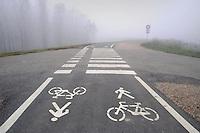 - Luzzara (Reggio Emilia) pista ciclabile sull'argine del fiume Po<br /> <br /> - Luzzara (Reggio Emilia) cycle track on the bank of Po river