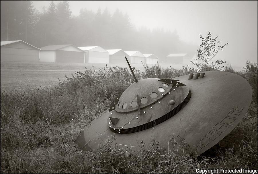 Vashon, Washington:<br /> Vashon Municipal Ariport, UFO in fog