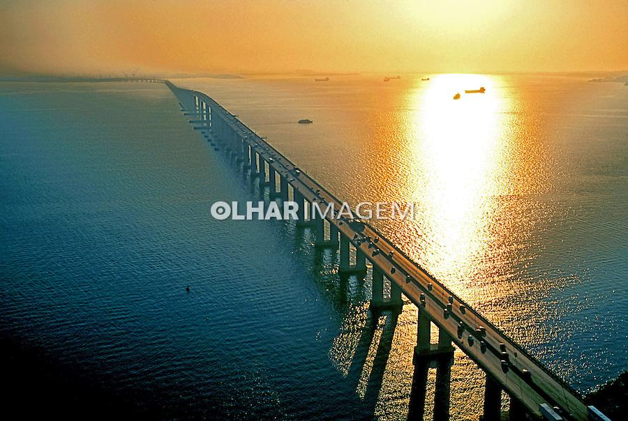 Ponte Rio-Niterói. Rio de Janeiro. 2000. Foto de Ricardo Azoury.