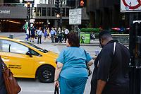 USA Chicago, downtown, people with overweight / Stadtzentrum, Menschen mit Uebergewicht