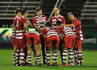 20131018 - ANTWERP , BELGIUM :  team Antwerp pictured before the female soccer match between Royal Antwerp FC Ladies and Telstar Vrouwen Ijmuiden , of the Eight' matchday in the BENELEAGUE competition. Friday 18 October 2013. PHOTO DAVID CATRY