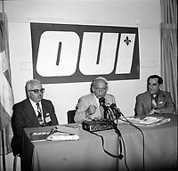 Rene Levesque et la campagne du OUI au Referendum<br /> le 1er aout 1980.<br /> <br /> PHOTO : JJ Raudsepp<br /> <br /> -  Agence Quebec Presse