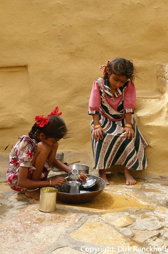 Indien, Kinder in Jaisalmer (Rajasthan)