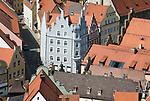 Deutschland, Bayern, Niederbayern, Landshut: Blick von der Burg Trausnitz auf die Altstadt   Germany, Bavaria, Lower Bavaria, Landshut: view from Trausnitz Castle across Old Town