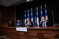 Point de presse <br /> du premier ministre du Québec, M. François Legault,<br /> avec le ministre de la Santé et des Services sociaux, M. Christian Dubé, et le directeur national de la santé publique, M. Horacio Arruda<br /> le 5  Novembre 2020<br /> <br /> PHOTO :  Emilie Nadeau
