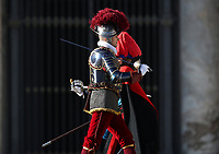 A Swiss Guard in full uniform passes past a  Carabinieri officer in full uniform before the Pope Francis' Urbi et Orbi (To the City and to the World) blessing on the occasion of the Christmas day from the central loggia of St. Peter's Basilica at the Vatican, on December 25, 2019.<br /> UPDATE IMAGES PRESS/Isabella Bonotto<br /> <br /> STRICTLY ONLY FOR EDITORIAL USE