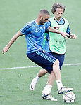 Real Madrid's Karim Benzema (l) and Luka Modric during Champions League 2015/2016 training session. May 27,2016. (ALTERPHOTOS/Acero)