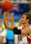 Travis Gaertner of the men wheelchair basketball team putting it in, in a 66-38 win.<br /> (Benoit Pelosse photographe)