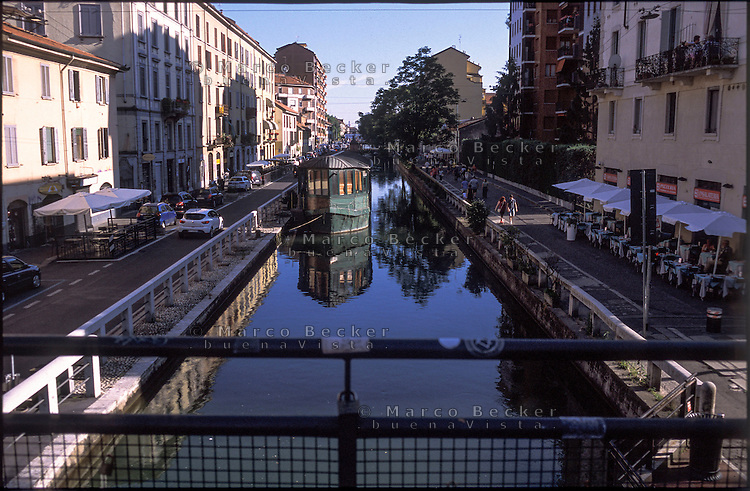 Milano, quartiere Conchetta. Naviglio Pavese --- Milan, Conchetta district. Naviglio Pavese canal